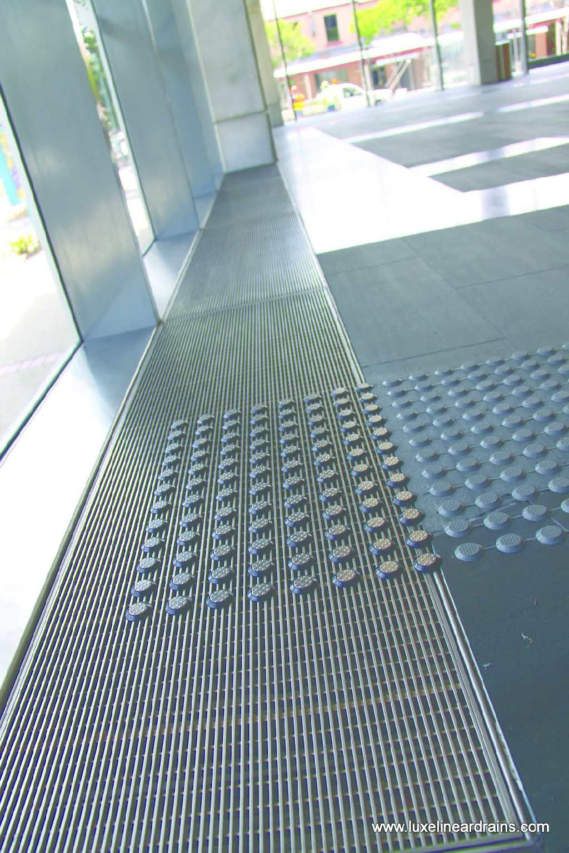 32-luxe-linear-drains-office-lobby-air-return-2