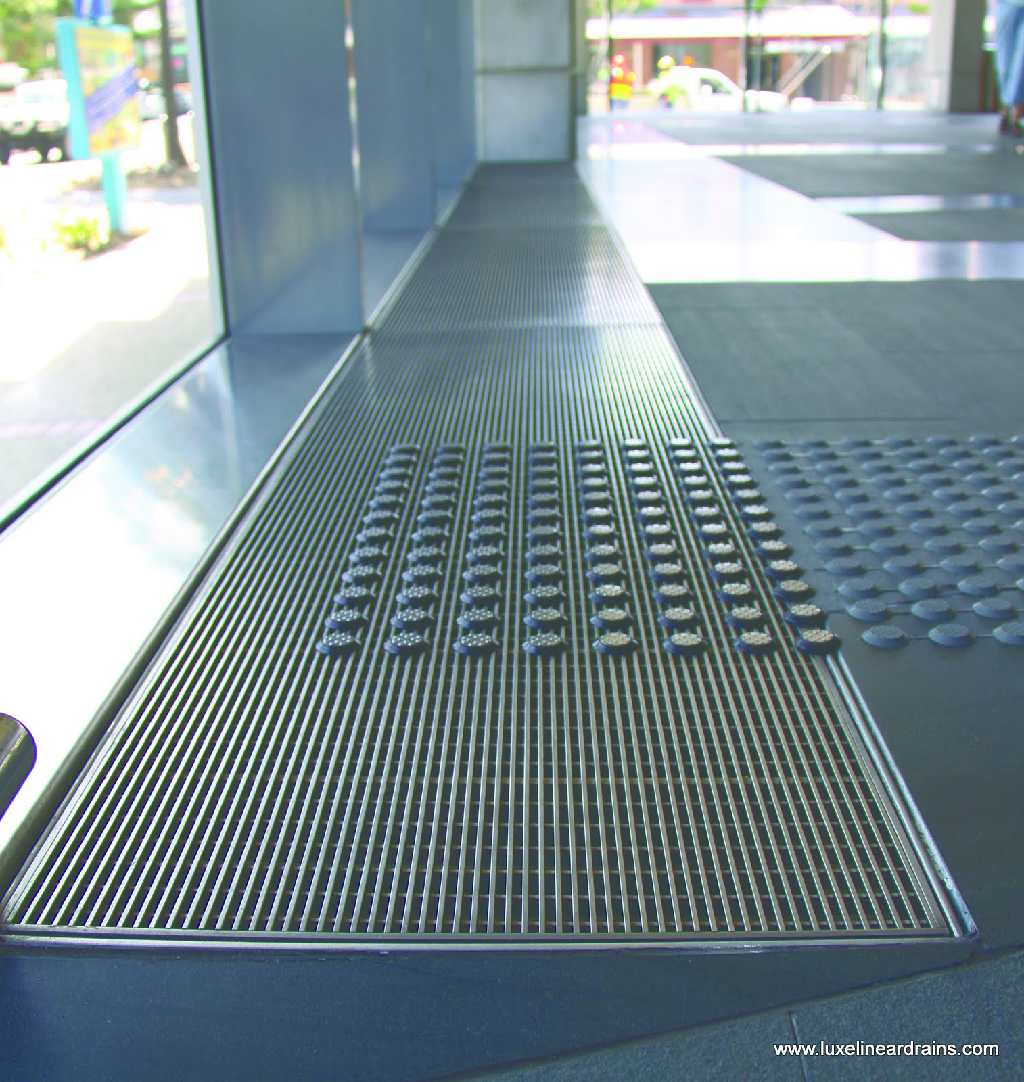 33-luxe-linear-drains-office-lobby-air-return-3
