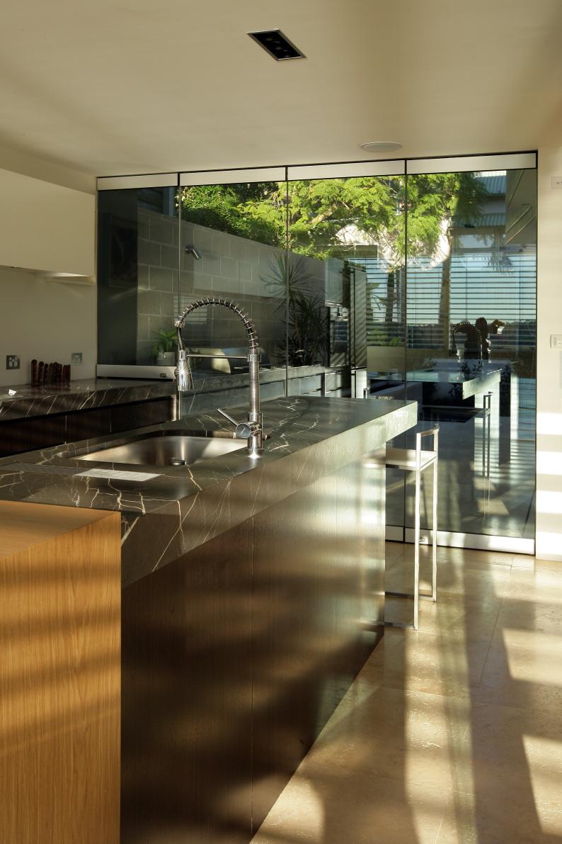 LUXE Kitchen Bench Drain kitchen full view