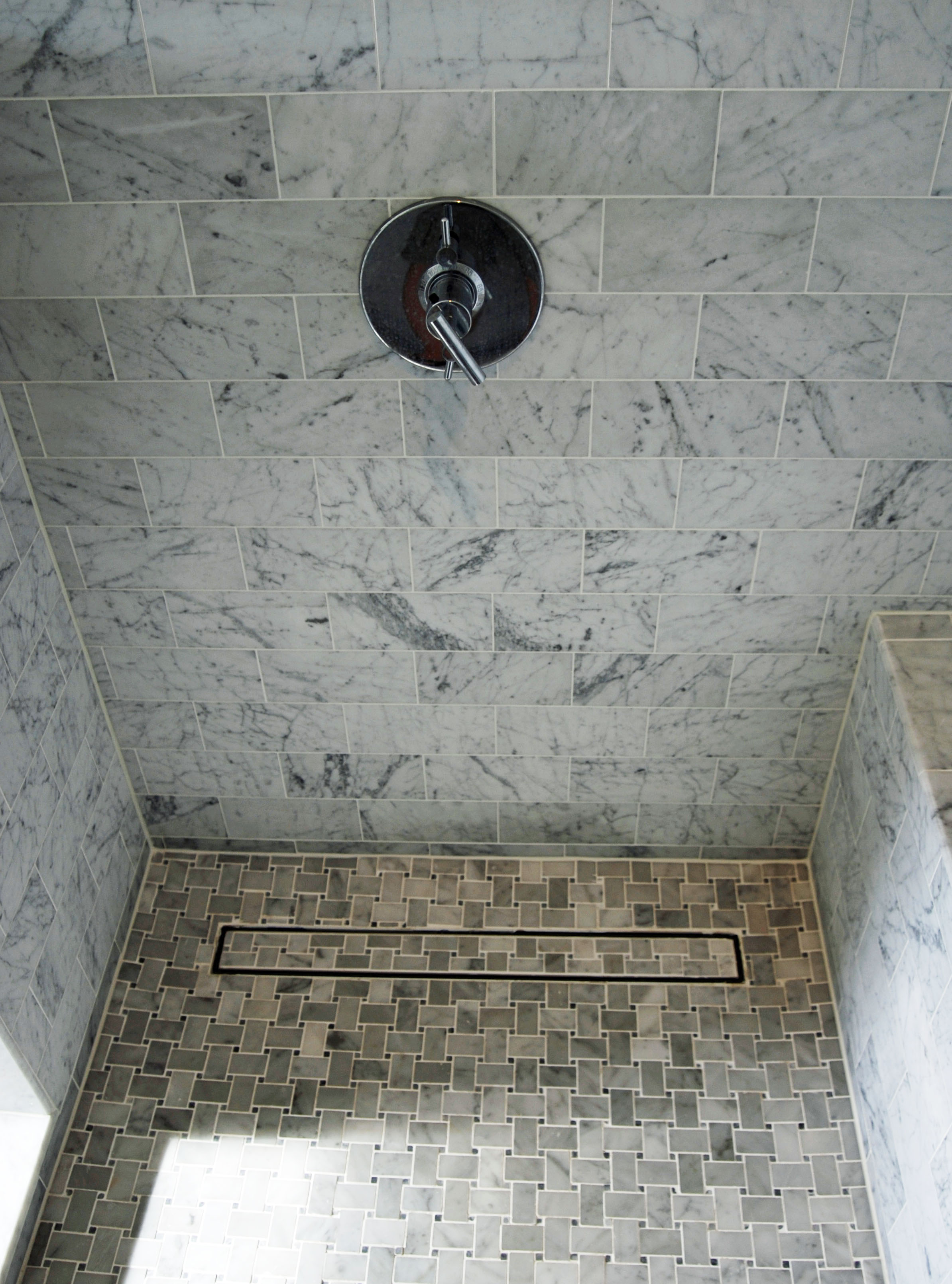 ti33-luxe-linear-shower-drain-tile-insert