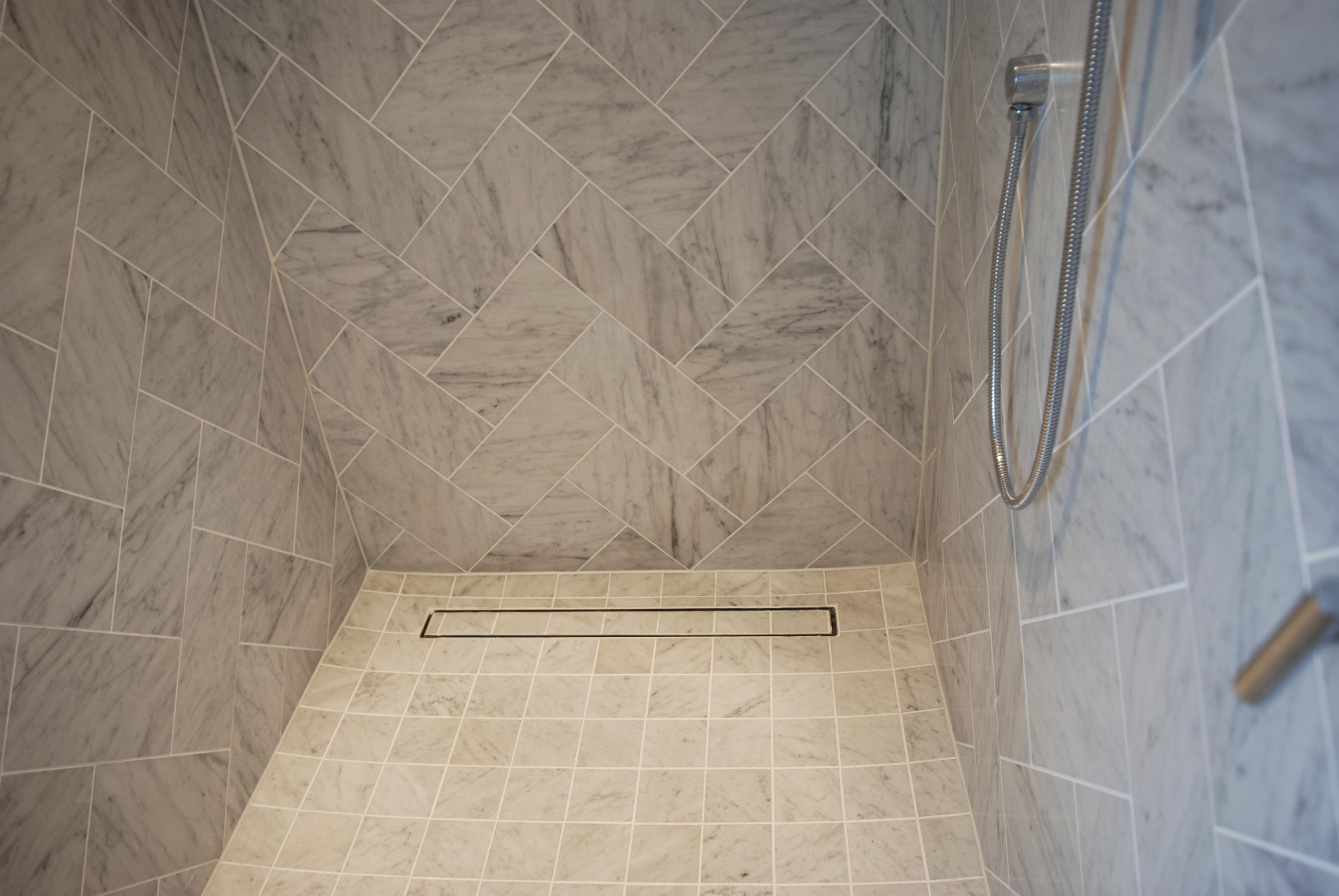 ti35-luxe-linear-shower-drain-tile-insert